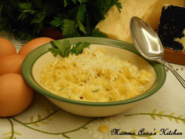 minestra di pasta cacio e uova