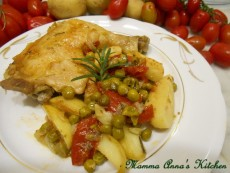 Pollo al forno con patate e piselli