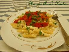 Maltagliati con salsa di porri e peperoni